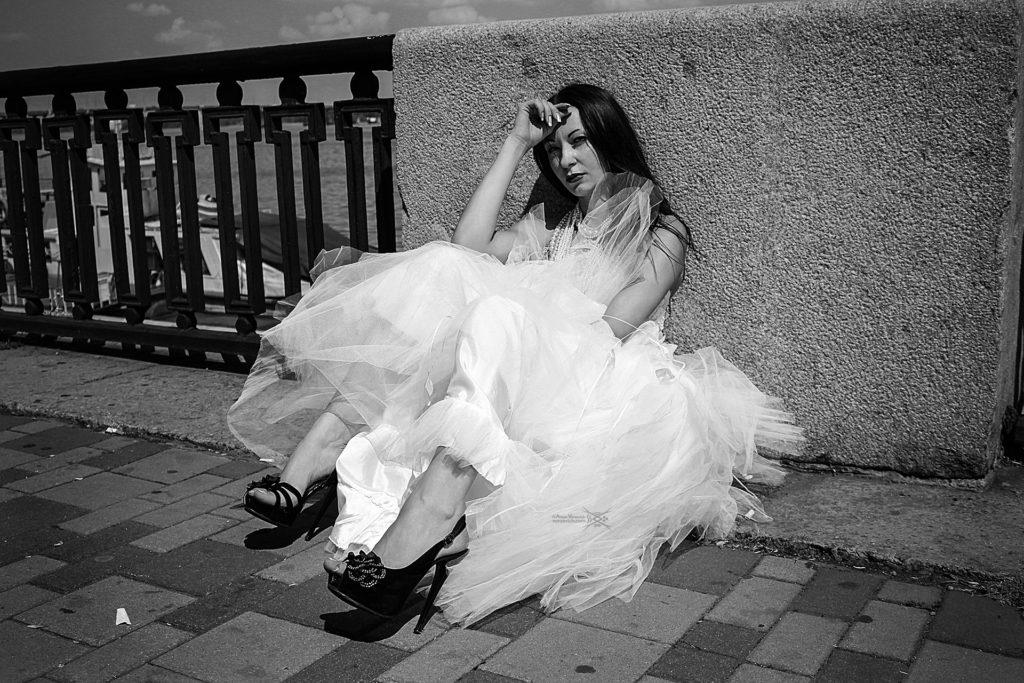 Abandoned bride